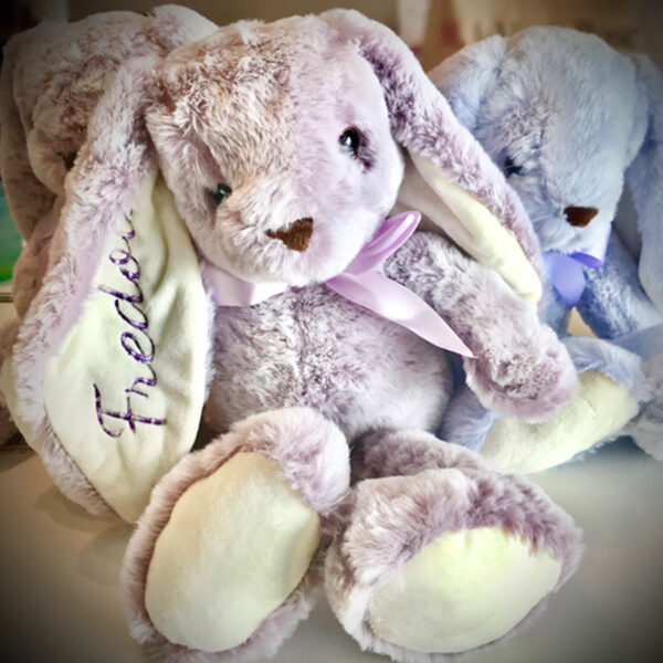 Réalisation - Lapin à grandes oreilles - Trio de lapins   Peluche à broder et personnaliser   Broderie Amé Design